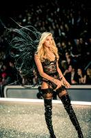 Victoria's Secret Fashion Show Paris 2016: Full Runway and Performances #178