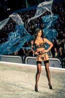 Victoria's Secret Fashion Show Paris 2016: Full Runway and Performances #187