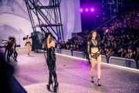 Victoria's Secret Fashion Show Paris 2016: Full Runway and Performances #214