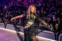 Victoria's Secret Fashion Show Paris 2016: Full Runway and Performances #228