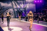 Victoria's Secret Fashion Show Paris 2016: Full Runway and Performances #229