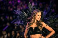Victoria's Secret Fashion Show Paris 2016: Full Runway and Performances #235