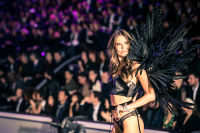 Victoria's Secret Fashion Show Paris 2016: Full Runway and Performances #236