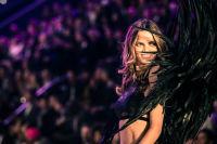 Victoria's Secret Fashion Show Paris 2016: Full Runway and Performances #240