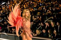Victoria's Secret Fashion Show Paris 2016: Full Runway and Performances #272