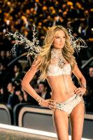 Victoria's Secret Fashion Show Paris 2016: Full Runway and Performances #283
