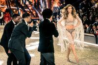 Victoria's Secret Fashion Show Paris 2016: Full Runway and Performances #285