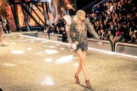 Victoria's Secret Fashion Show Paris 2016: Full Runway and Performances #292