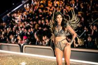 Victoria's Secret Fashion Show Paris 2016: Full Runway and Performances #296