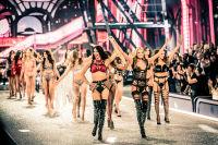 Victoria's Secret Fashion Show Paris 2016: Full Runway and Performances #299