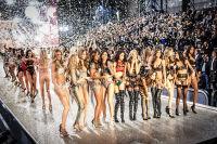 Victoria's Secret Fashion Show Paris 2016: Full Runway and Performances #305