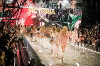 Victoria's Secret Fashion Show Paris 2016: Full Runway and Performances #309