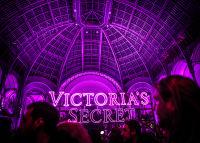 Victoria's Secret Fashion Show Paris 2016: Full Runway and Performances #325