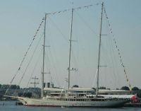 Athena Yacht #33