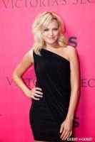 2010 Victoria's Secret Fashion Show Pink Carpet Arrivals #102