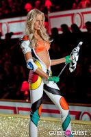 Victoria's Secret Fashion Show 2010 #113