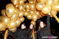 """MARTINI """"LET'S GO"""" SPLASHING THE NYC SKY WITH GOLD BALLOONS #33"""