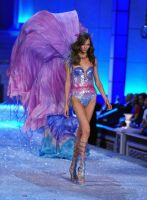 2011 Victoria's Secret Fashion Show Looks #1