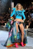 2011 Victoria's Secret Fashion Show Looks #2