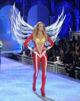 2011 Victoria's Secret Fashion Show Looks #7