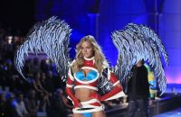 2011 Victoria's Secret Fashion Show Looks #11