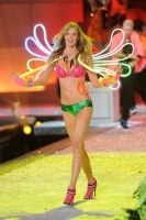 2011 Victoria's Secret Fashion Show Looks #26