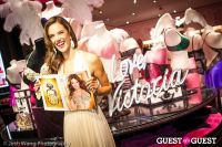 Victoria's Secret Angel Alessandra Ambrosio Reveals the Floral Fantasy Bra by Lodon Jewelers #13