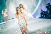Victoria's Secret Fashion Show 2013 #380