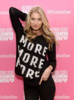 Victoria's Secret PINK model Elsa Hosk hosts live 2013 Victoria's Secret Fashion Show Viewing Party in Chicago #7