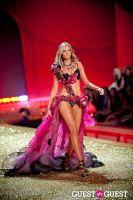 Victoria's Secret Fashion Show 2010 #31