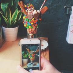 Science Confirms: Our Instagram Feeds Are Making Us Fat