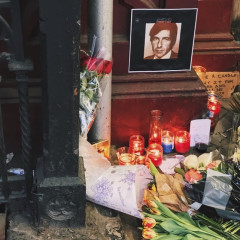 Pay Your Respects To Leonard Cohen At The Chelsea Hotel