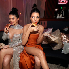 WTF Is Going On In These Golden Globes After-Party Pics?