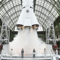 Inside Chanel's Space Station Themed Fall 2017 Show In Paris