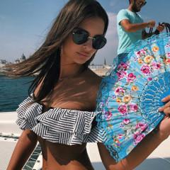 Emily Ratajkowski's Ultimate Guide To Wearing A Bikini