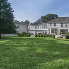 Celebrities Can't Stop Renting This Hamptons Home
