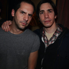 Justin Long And Seth Herzog Gross Audience Out At The Slipper Room