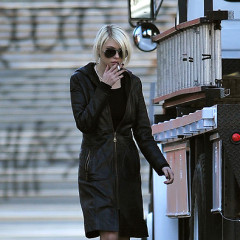 Taylor Momsen, Reluctant Role Model, Smokes