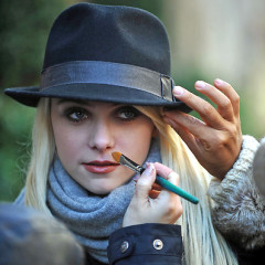 Gossip Girl Cast Back On Set