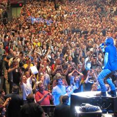 Matt Damon Parties Like It's 1994 At Pearl Jam Concert