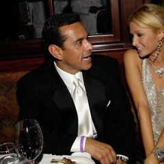 Villaraigosa Hams It Up, Photos Document His Ticket Scandal