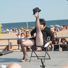 Circus Freaks And Sideshow Geeks At Coney Island Talent Show