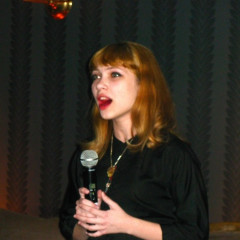 Tavi Gevinson Sings Neil Young At 'Cadaver' Premiere, Her Newest Film