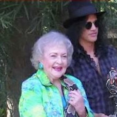 VIDEO: Slash & Betty White Are Stoked For These Reptiles