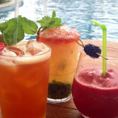 Summer Sips: 8 Fruity Cocktails For Poolside Drinking