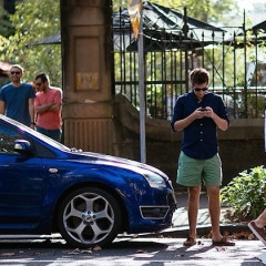 6 Smartphone Apps Every Guy Needs This Summer