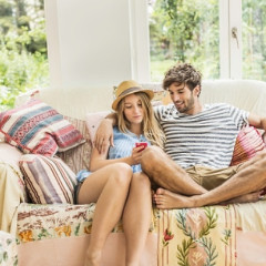 9 Sure Signs Your Boyfriend's Female