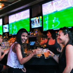 The 10 Best Bars To Catch Monday Night Football Around NYC