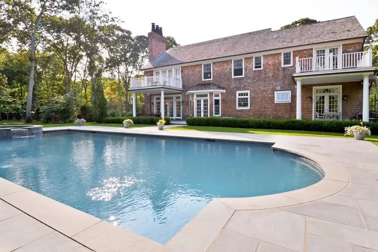 10 Amazing Hamptons Homes Still Available On Airbnb This Summer