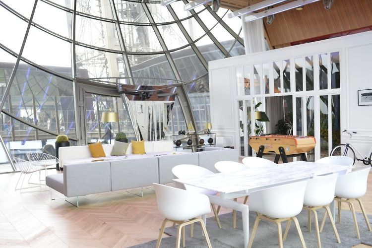 There's A Secret Apartment Inside The Eiffel Tower